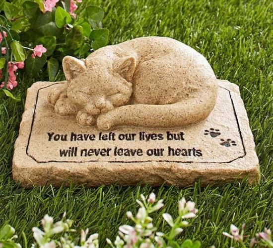2551a52c84b7df462d811b895314ca32--pet-memorial-stones-cat-memorial